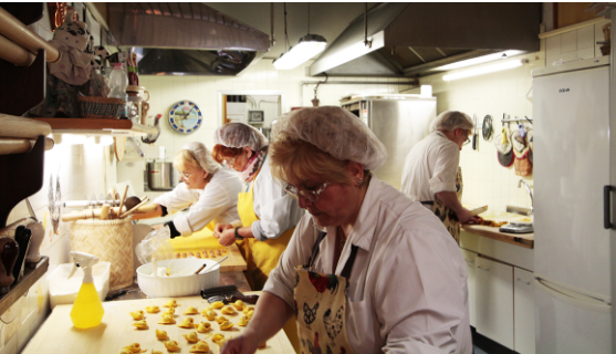 Vorreste conoscere la ricetta dei tortellini emiliani, quella delle sfogline della bassa bolognese?